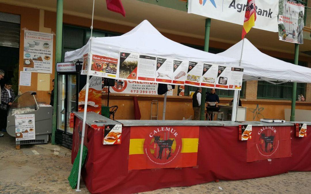 Gran éxito del cabrito lechal CALEMUR en la primera feria agrícola de JUMILLA